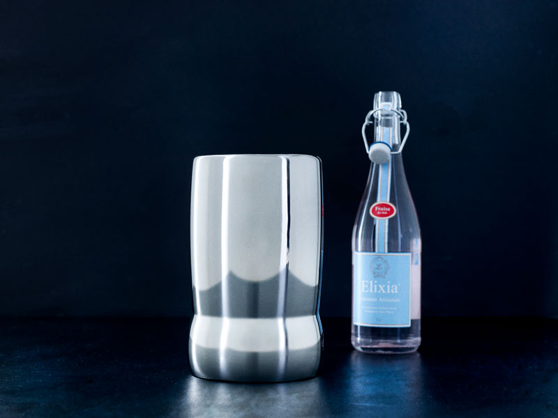 Champangekøler i stål designet af Erik Bagger